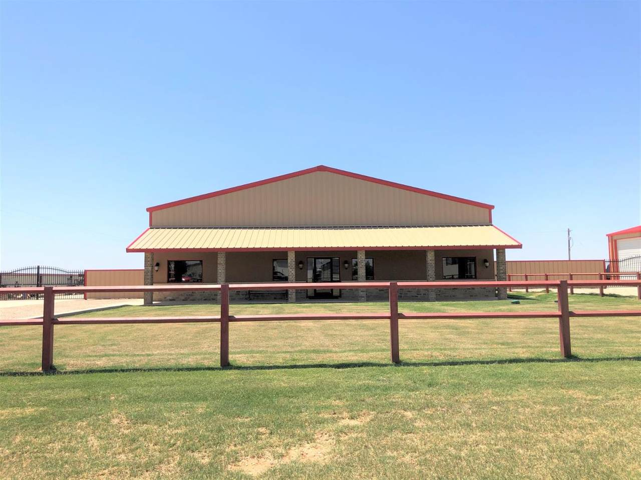 610 County Road 7300 - Photo 1