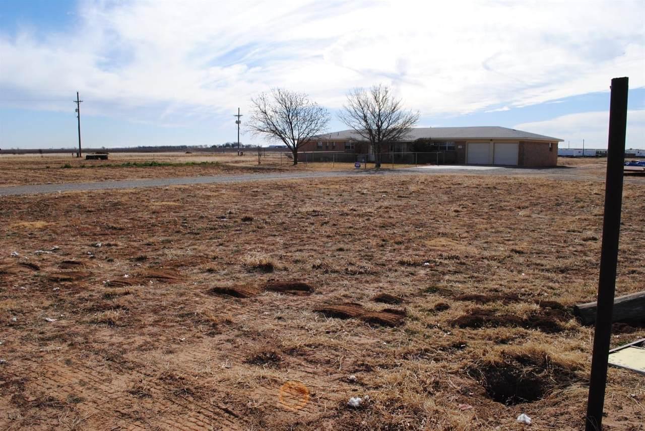 406 Farm Road 1585 - Photo 1