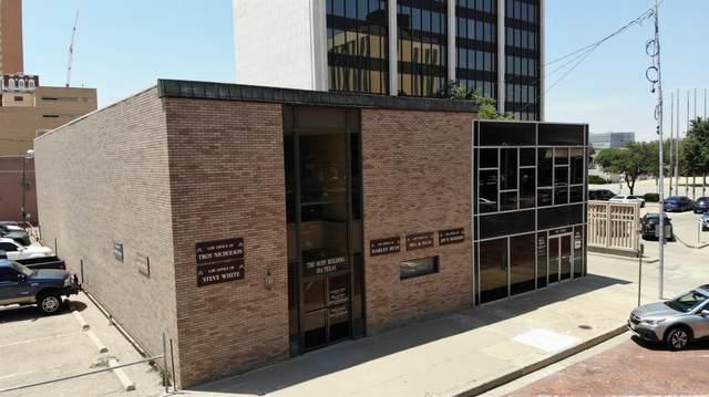 1114 Texas Avenue, Lubbock, TX 79401 (MLS #202105379) :: The Lindsey Bartley Team
