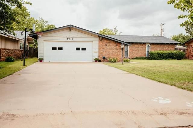 1411 Holliday, Plainview, TX 79072 (MLS #202105524) :: Reside in Lubbock | Keller Williams Realty