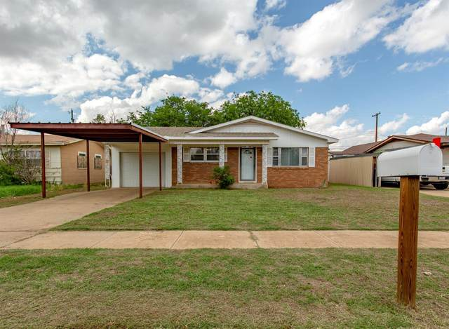 2421 E 30th Street, Lubbock, TX 79404 (MLS #202105555) :: Better Homes and Gardens Real Estate Blu Realty