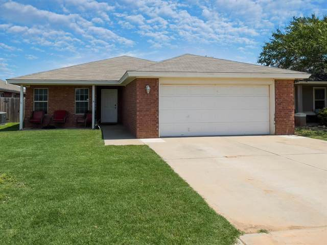 2218 100th Street, Lubbock, TX 79423 (MLS #202105844) :: Stacey Rogers Real Estate Group at Keller Williams Realty
