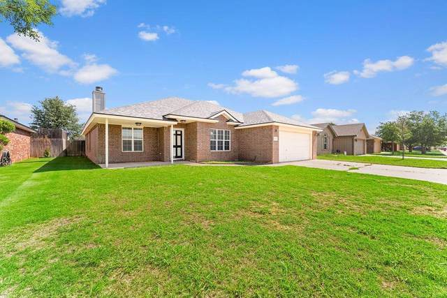 6908 9th Street, Lubbock, TX 79416 (MLS #202105512) :: Better Homes and Gardens Real Estate Blu Realty