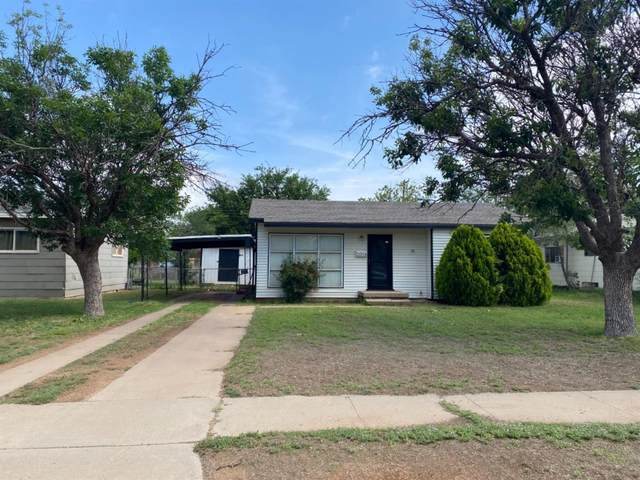 2014 W 20th, Plainview, TX 79072 (MLS #202105988) :: Better Homes and Gardens Real Estate Blu Realty