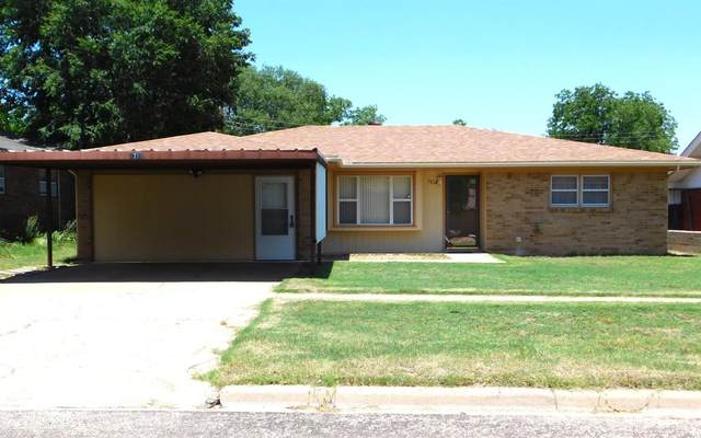 1718 W Ave F, Muleshoe, TX 79347 (MLS #202106121) :: The Lindsey Bartley Team