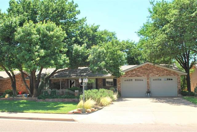2006 Rice Drive, Levelland, TX 79336 (MLS #202106291) :: The Lindsey Bartley Team