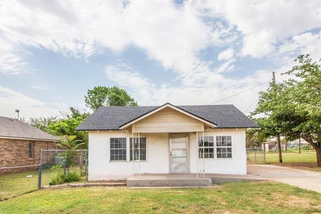945 W Terry Street, Slaton, TX 79364 (MLS #202106342) :: McDougal Realtors