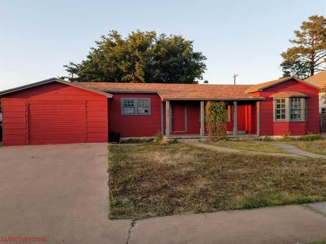 1505 Austin Street, Levelland, TX 79336 (MLS #202106433) :: Reside in Lubbock | Keller Williams Realty