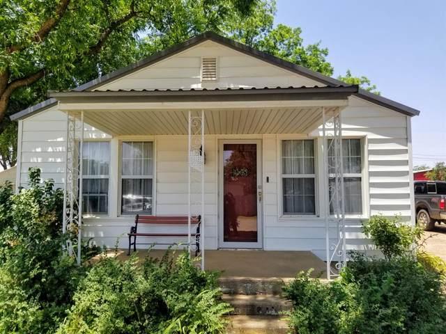 938 Hockley Avenue, Sundown, TX 79372 (MLS #202106361) :: Reside in Lubbock | Keller Williams Realty