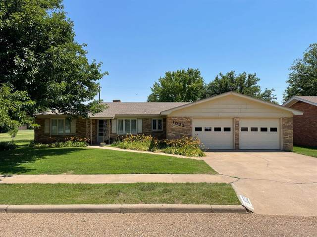 1022 NE 1st Street, Earth, TX 79031 (MLS #202106621) :: Better Homes and Gardens Real Estate Blu Realty