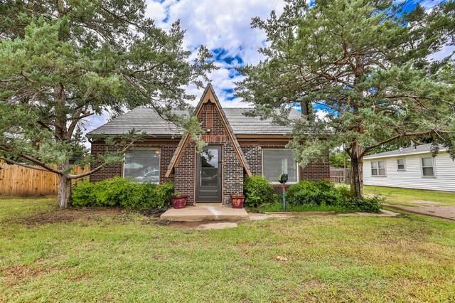 2506 Knoxville Avenue, Lubbock, TX 79410 (MLS #202106793) :: Reside in Lubbock | Keller Williams Realty