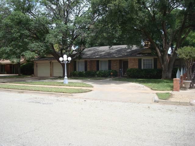 2104 55th Street, Lubbock, TX 79412 (MLS #202106827) :: Duncan Realty Group