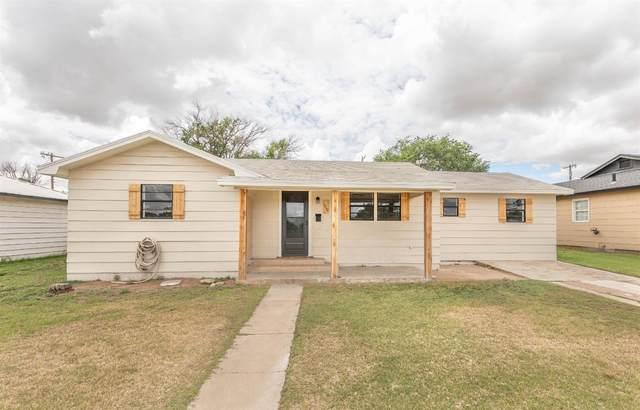 1510 Ave D, Levelland, TX 79336 (MLS #202106841) :: McDougal Realtors