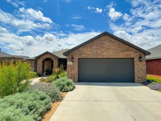1207 N Vinton Avenue, Lubbock, TX 79416 (MLS #202106883) :: Stacey Rogers Real Estate Group at Keller Williams Realty