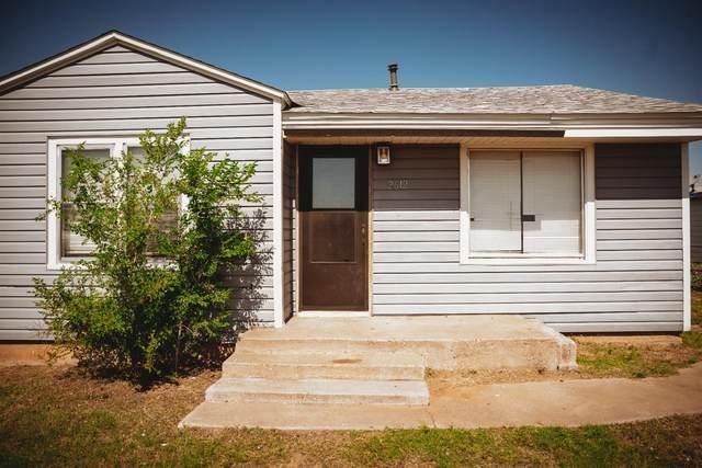 2612 Juniper Avenue, Lubbock, TX 79404 (MLS #202107107) :: Lyons Realty