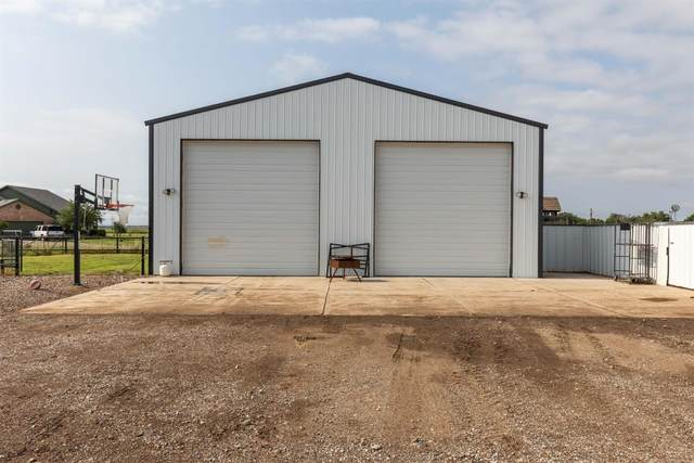 12504 N Farm Road 179, Shallowater, TX 79363 (MLS #202107448) :: The Lindsey Bartley Team