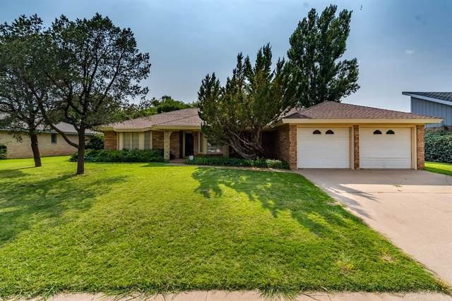 7904 Utica Avenue, Lubbock, TX 79424 (MLS #202107498) :: Lyons Realty