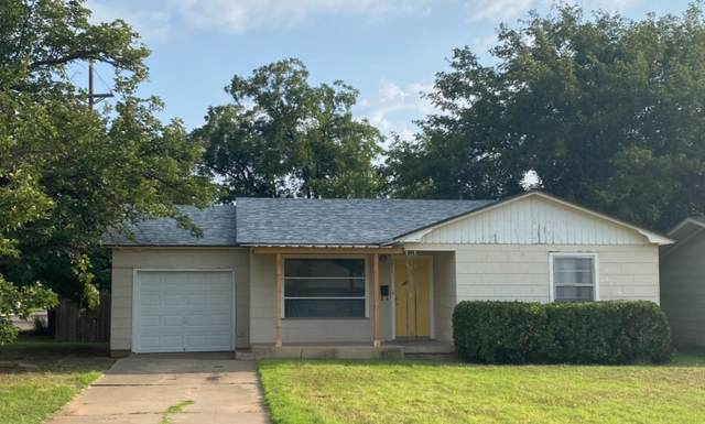 3020 44th Street, Lubbock, TX 79413 (MLS #202107626) :: Better Homes and Gardens Real Estate Blu Realty