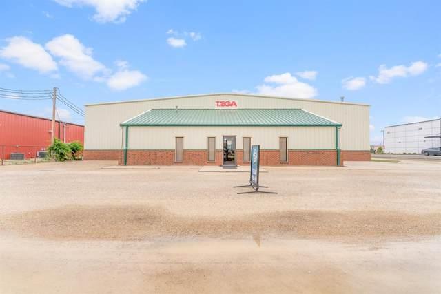 7621 82nd Street, Lubbock, TX 79424 (MLS #202107563) :: McDougal Realtors
