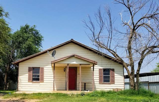 304 Avenue, Levelland, TX 79336 (MLS #202107672) :: Duncan Realty Group