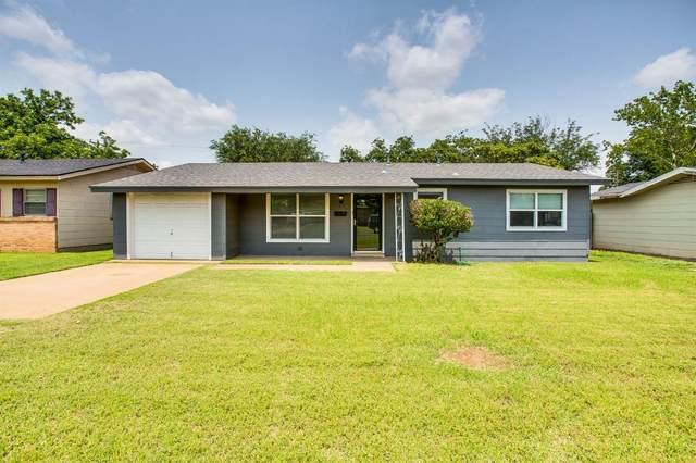 2316 47th Street, Lubbock, TX 79412 (MLS #202107440) :: McDougal Realtors