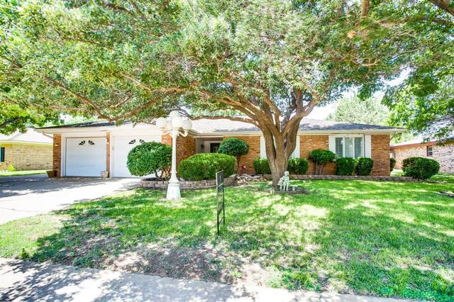 37 Bennett Circle, Wolfforth, TX 79382 (MLS #202107873) :: Lyons Realty