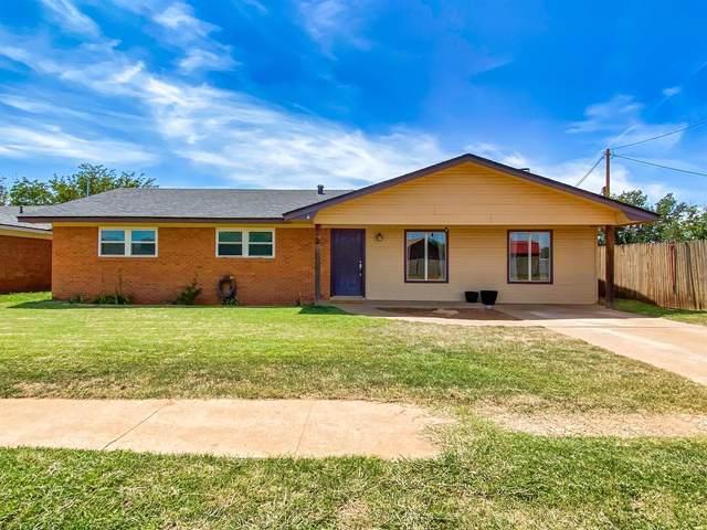 136 Eagle Avenue, Levelland, TX 79336 (MLS #202107805) :: Lyons Realty