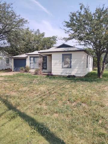123 Poplar, Levelland, TX 79336 (MLS #202108093) :: Reside in Lubbock | Keller Williams Realty