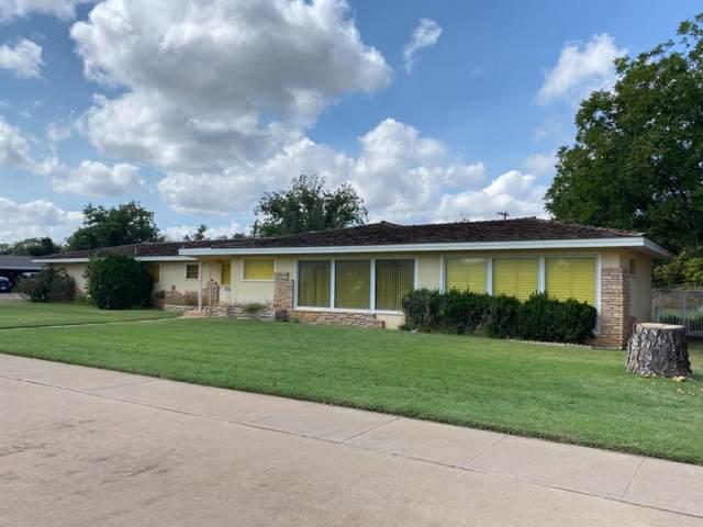 1301 E Buckley Street, Brownfield, TX 79316 (MLS #202108631) :: Lyons Realty