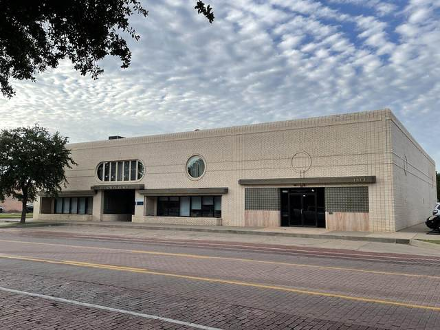 1801 Broadway, Lubbock, TX 79401 (MLS #202108632) :: The Lindsey Bartley Team