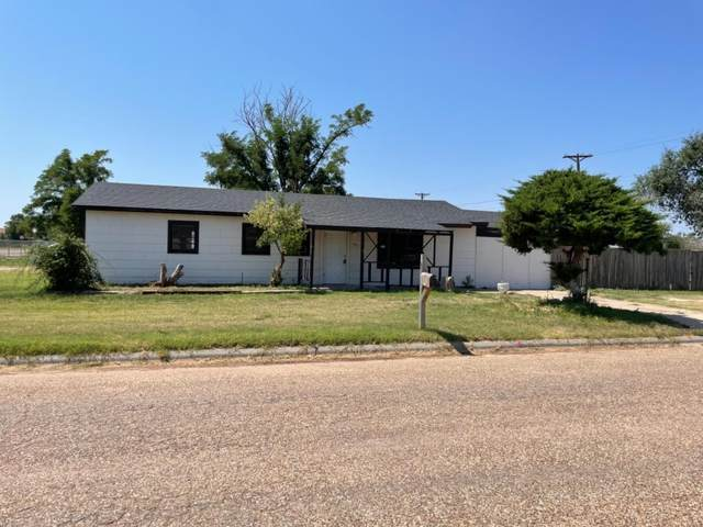 405 W Edwards Street, Slaton, TX 79364 (MLS #202108832) :: Better Homes and Gardens Real Estate Blu Realty
