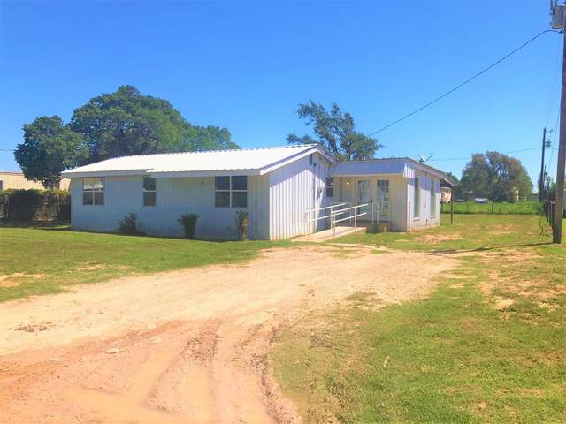 301 Quetzel Avenue, Lubbock, TX 79403 (MLS #202108908) :: Lyons Realty