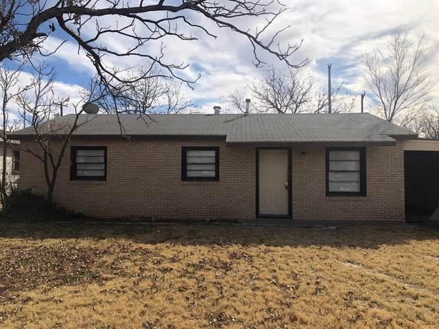 2104 E 29th Street, Lubbock, TX 79404 (MLS #202108773) :: Scott Toman Team
