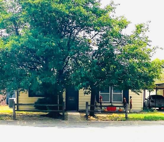 1817 W Lockwood, Tahoka, TX 79373 (MLS #202109080) :: Lyons Realty