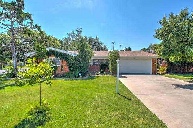 3201 53rd Street, Lubbock, TX 79413 (MLS #202109235) :: Lyons Realty