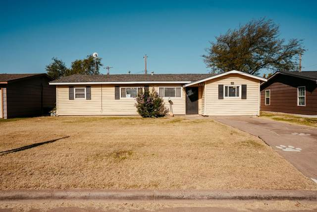 2503 Lexington, Plainview, TX 79072 (MLS #202109415) :: Better Homes and Gardens Real Estate Blu Realty