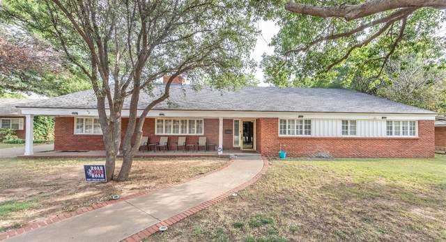 3206 42nd Street, Lubbock, TX 79413 (MLS #202109557) :: McDougal Realtors