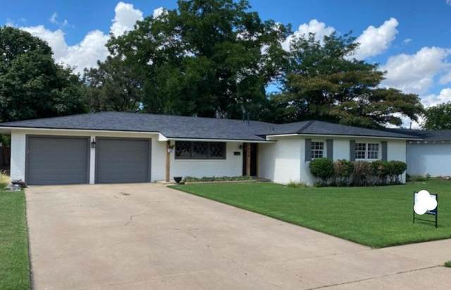 2126 56th Street, Lubbock, TX 79412 (MLS #202109663) :: Scott Toman Team