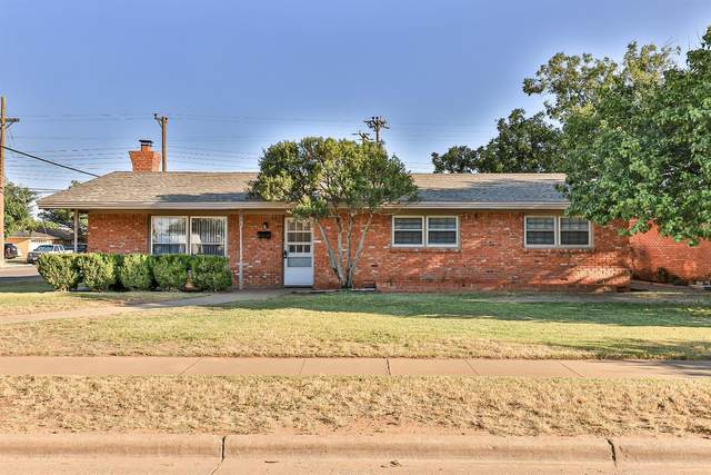 5446 8th Street, Lubbock, TX 79416 (MLS #202109947) :: Stacey Rogers Real Estate Group at Keller Williams Realty