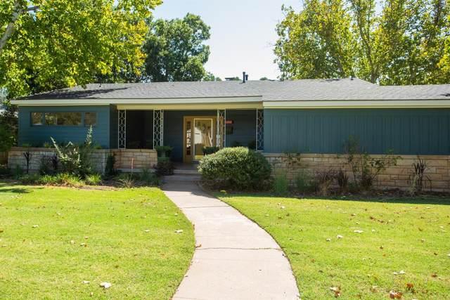 2517 32nd Street, Lubbock, TX 79410 (MLS #202110171) :: The Lindsey Bartley Team
