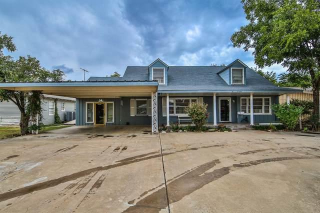 3706 23rd Street, Lubbock, TX 79410 (MLS #202110135) :: HergGroup Lubbock