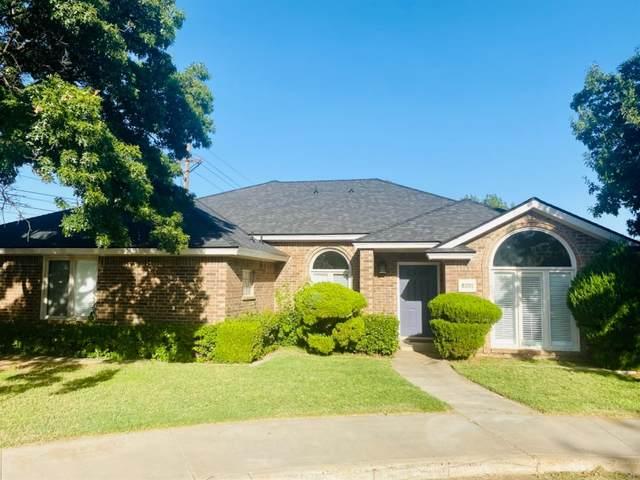 8201 Dover Avenue, Lubbock, TX 79424 (MLS #202110276) :: Lyons Realty
