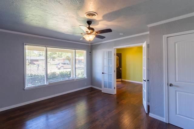 1204 8th Street, Shallowater, TX 79363 (MLS #202110303) :: Lyons Realty