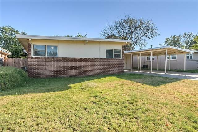 2305 48th Street, Lubbock, TX 79412 (MLS #202110389) :: Lyons Realty