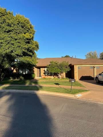 8203 Brentwood Avenue, Lubbock, TX 79424 (MLS #202110461) :: Lyons Realty