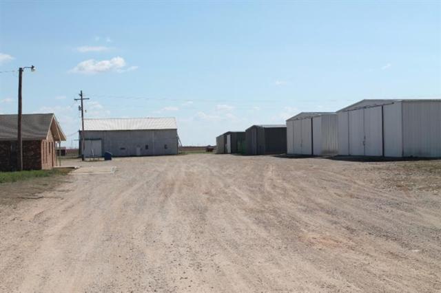 15003 Farm Road 400, Slaton, TX 79364 (MLS #201501811) :: Lyons Realty