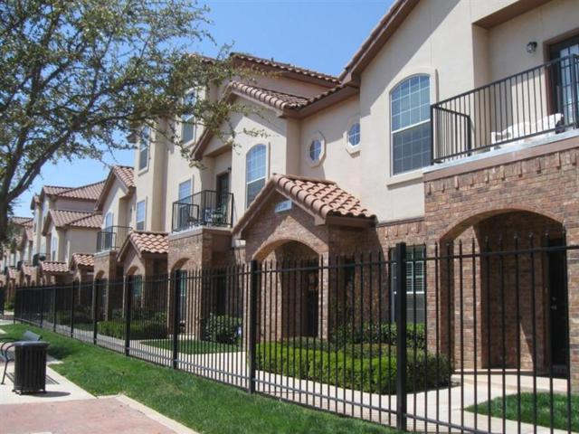 2102-#2 Main Street, Lubbock, TX 79401 (MLS #201703925) :: McDougal Realtors