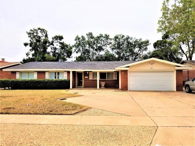 2321 57th Street, Lubbock, TX 79412 (MLS #201806732) :: Lyons Realty