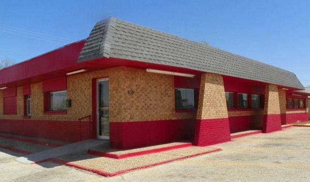 810 Lubbock Road, Brownfield, TX 79316 (MLS #201806944) :: Lyons Realty