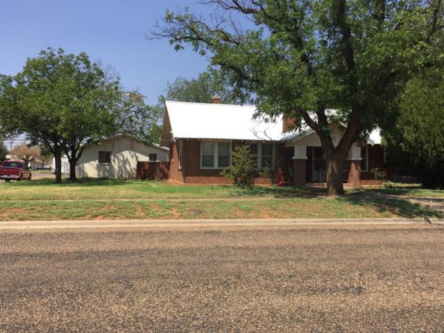 801 E Cardwell Street, Brownfield, TX 79316 (MLS #201807309) :: Lyons Realty